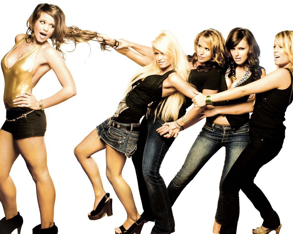 [フリー画像] 人物, 女性, 集団・グループ・群衆, ファッション, 201104130900