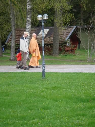 Kadamba Kanana Swami Korsnas Gard and at Ugrasena's 14th May 2010  -0049 por ISKCON desire tree.