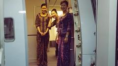 Onboard B777-200 (9V-SRI) with Singapore Girls - Singapore Airlines (Matt@PEK) Tags: singaporeairlines staralliance pentax dps sin businessclass b772