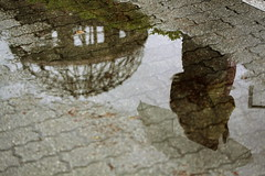 Hiroshima - Dome (Davide Germano) Tags: reflection water rain japan umbrella hiroshima dome bomb atomic unusualviewsperspectives