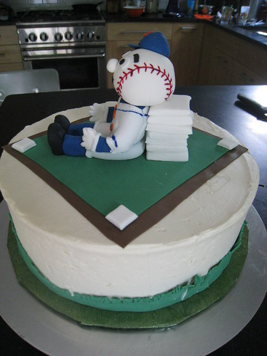 Mr. Met cake side view
