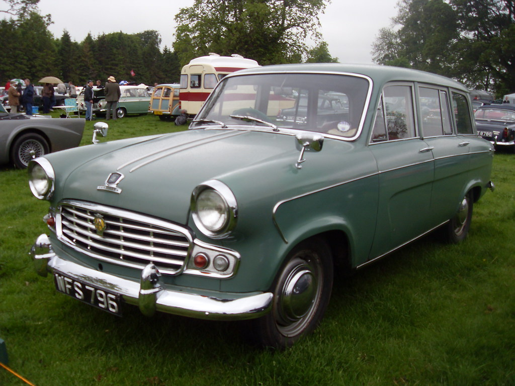 Standard Vanguard Six Vignale Estate