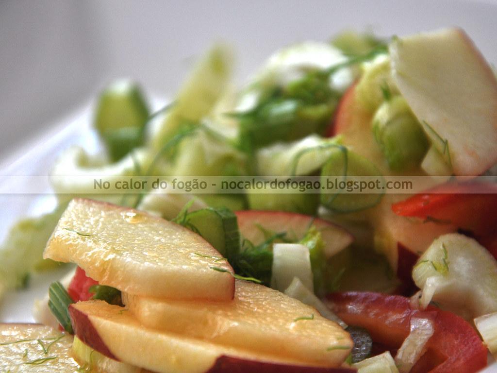 Salada de erva-doce, tomate e maçã