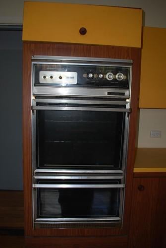 old kitchen oven dirty retro knobs appliances kitchenappliances walloven