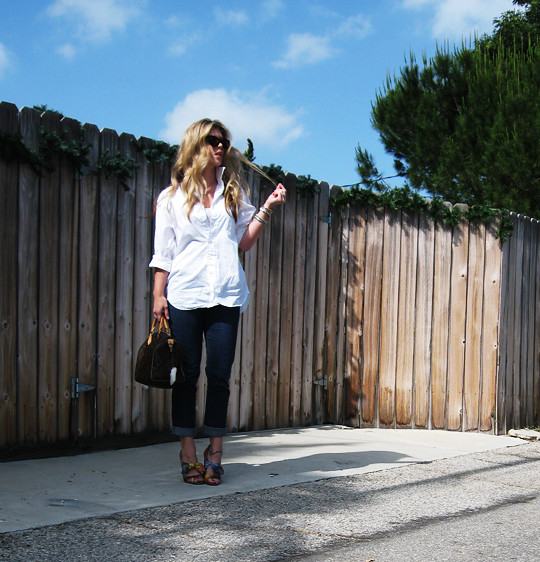 classic white button down+jeans+moschino shoes-2
