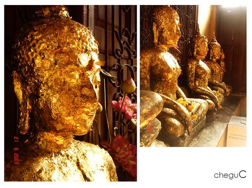 gold paper buddhas