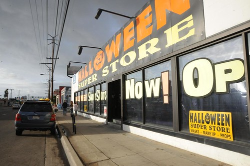 HolloweenSuper Store 4160 Lincoln