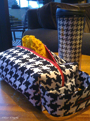 Houndstooth bag tumbler