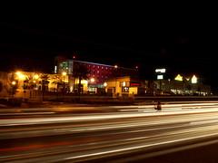 Ramada Encore (Carlos Guardado) Tags: chihuahua luz de mexico luces la carlos nocturna fuego fotografia rios ramada encore exposicion 2010 larga fotografa juventud periferico guardado ramadaencore perifericodelajuventud