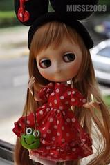 ANILINA - Minha mãe colocou o vestido da Minnie !