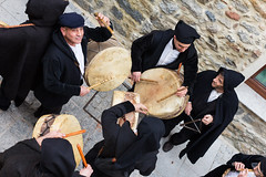 Sos Tumbarinos (Andrea Santini) Tags: barbagia caratza carnevale carnevalesardo gavoi lodine mascheresarde sardegna sostumbarinos tumbarinos italia it