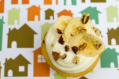 Banana Nut Maple Cupcake