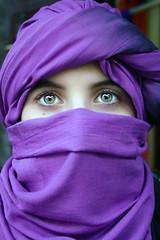 Khadij'a (Mr Alvaro PS) Tags: people woman color green girl eyes chica gente blind greeneyes ojos marrakech marruecos verdes pauelo burca theperfectphotographer artofimages themonalisasmile bestportraitsaoi
