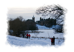 Linlithgow in Winter (NH_Snap) Tags: schnee winter lake snow building castle ice church monument st architecture scotland michael ruin palace loch eis kirk linlithgow lothian monumente piel nhsnap