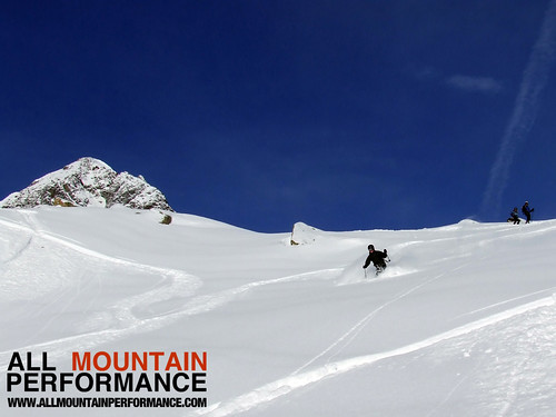 powder skiing courses