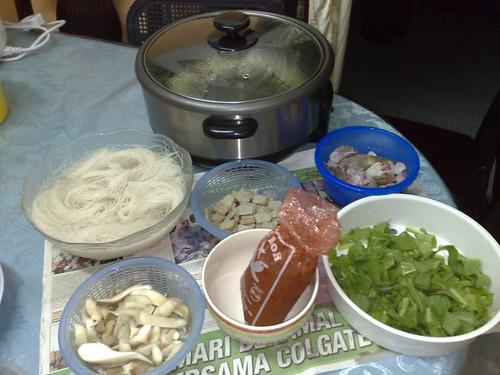 Mari belajar memasak bersama Azman Ishak.