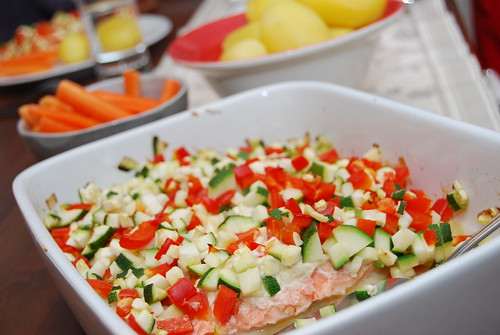 Lax med grönsaksströssel hel rätt