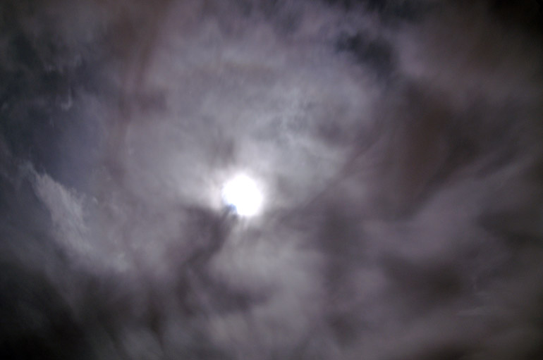 web_bigmoon_darkclouds_0028_2493