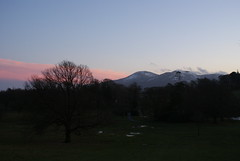 Castlewellan Evening (Seahill Snapper) Tags: light snow mountains clouds evening pinkclouds castlewellan mournes