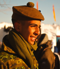 My proud, My son, The Soldier. (farfando1) Tags: sunset portrait cold male men proud soldier ottawa son pride fading hombre winterlude canadianforces barett cameroons sunontheface ablessfromgod