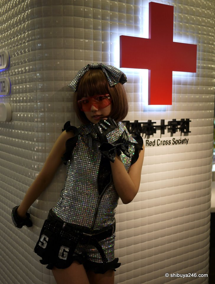 There was no shortage of cameras lining up to take photographs here. The Akiba:F Blood Bank has probably never had so many photos taken of it. This one could be a good promotion piece. Would you come here to give blood if this was the poster girl?