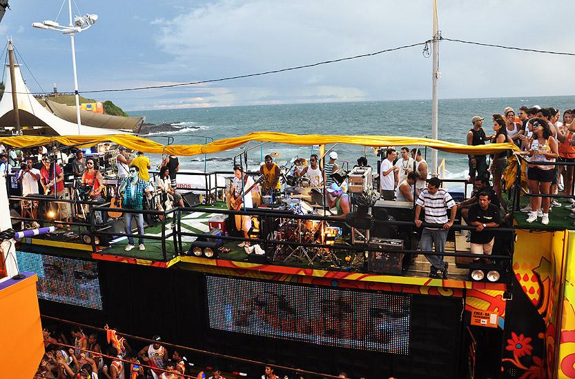 soteropoli.com fotos fotografia salvador bahia brasil verao carnaval trio eletrico axe 2010 by tunisio (4)