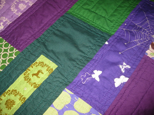 green violet quilt detail quilting front