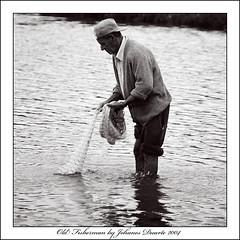 Old Fisherman (Johanes Duarte 2013) Tags: film 35mm florianópolis seven filme santacatarina negativo ilford lagoadaconceição blackwhitefilm