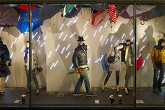 Modepreview 2010 (Loeb AG) Tags: schaufenster led ag bern mode regen frhling loeb regenschirm