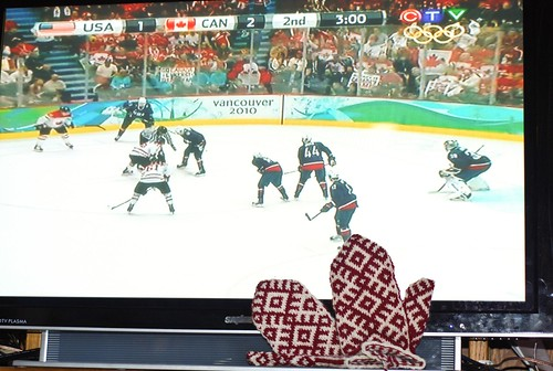 Ravelympics mittens, second period