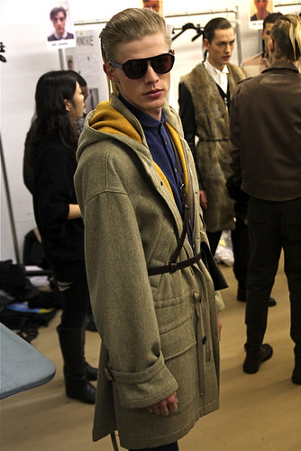 Lenz von Johnston3014_FW10_NY_3.1 Phillip Lim BS(MODELScom)