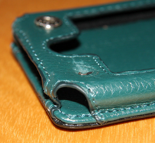 Ted Baker Leather Case (Apple iPhone 3G Series) broken snap