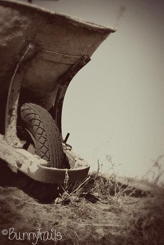 63-wheelbarrow-vintage