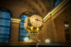 The Clock in Grand Central (Werner Kunz) Tags: world city nyc longexposure urban usa ny newyork clock night america photoshop lights golden town us nikon traffic time bokeh manhattan wideangle center trainstation stadt grandcentralstation bigapple hdr metropole photomatix 20fav explored colorefex nikond90 topazadjust lucysart werkunz1