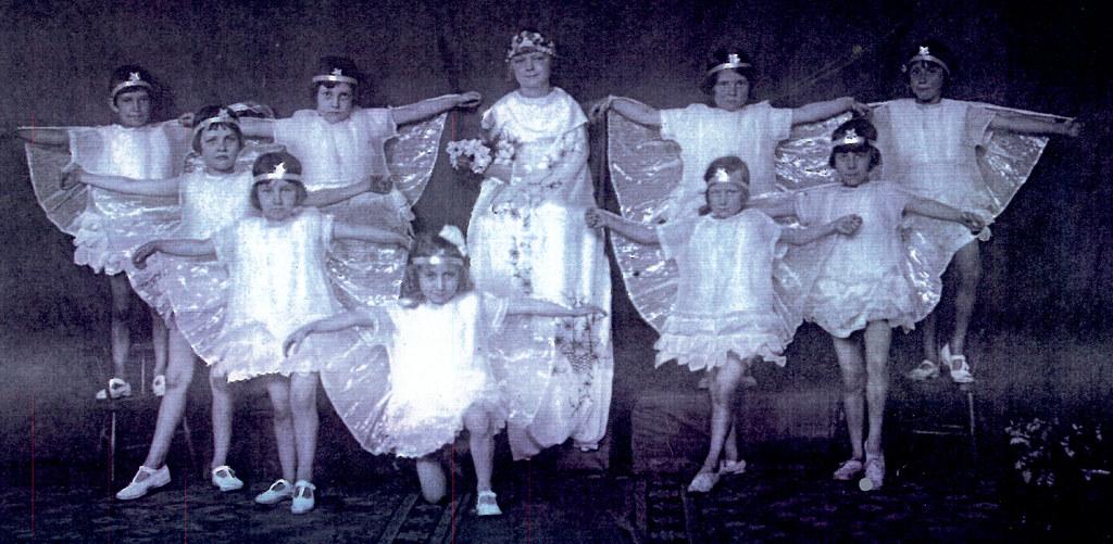 1930s dance class