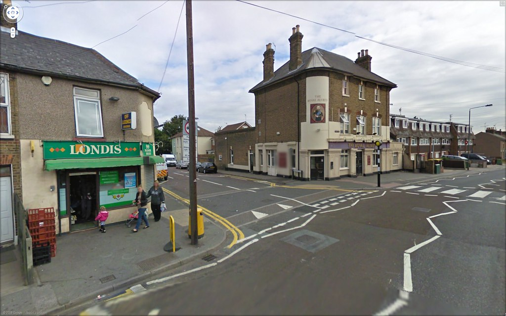 Manor Road / Appold Street junction
