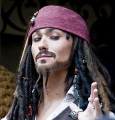 Captain Jack Sparrow (Ray Horwath) Tags: orlando nikon disney disneyworld pirate nikkor wdw waltdisneyworld magickingdom piratesofthecaribbean adventureland potc jacksparrow nikkorlens captainjack captainjacksparrow horwath disneyphotos nikond300 rayhorwath