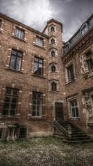 LES RAISINS  dtail 01 (DAN SICK) Tags: france history hotel toulouse hdr particulier