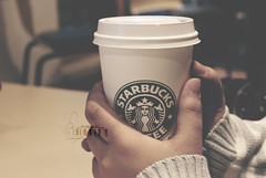 Ⓠ STARBUCKS.. (- M7D . S h R a T y) Tags: hot london hotchocolate starbucks 2010 coldday wordsbyme ®allrightsreserved™