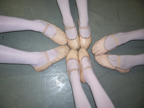 circle of ballerinas