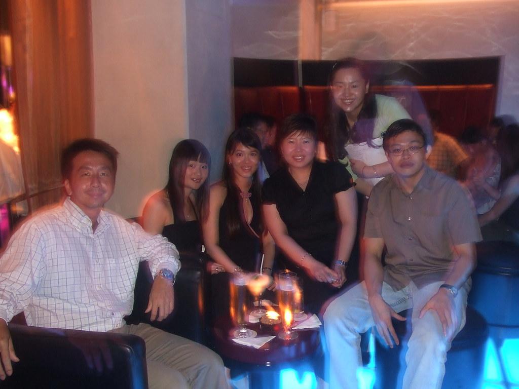 Dating singapore singles bar