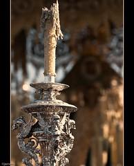 Abriendole paso (Javier Martinez de la Ossa) Tags: espaa sevilla andaluca spain seville madrugada semanasanta siviglia esperanzadetriana cirial javiermartinezdelaossa
