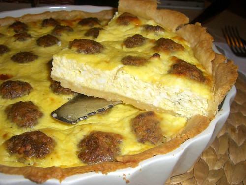 Cheesecake salata con polpettine