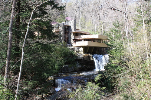 A Day at Frank Lloyd Wright's Fallingwater