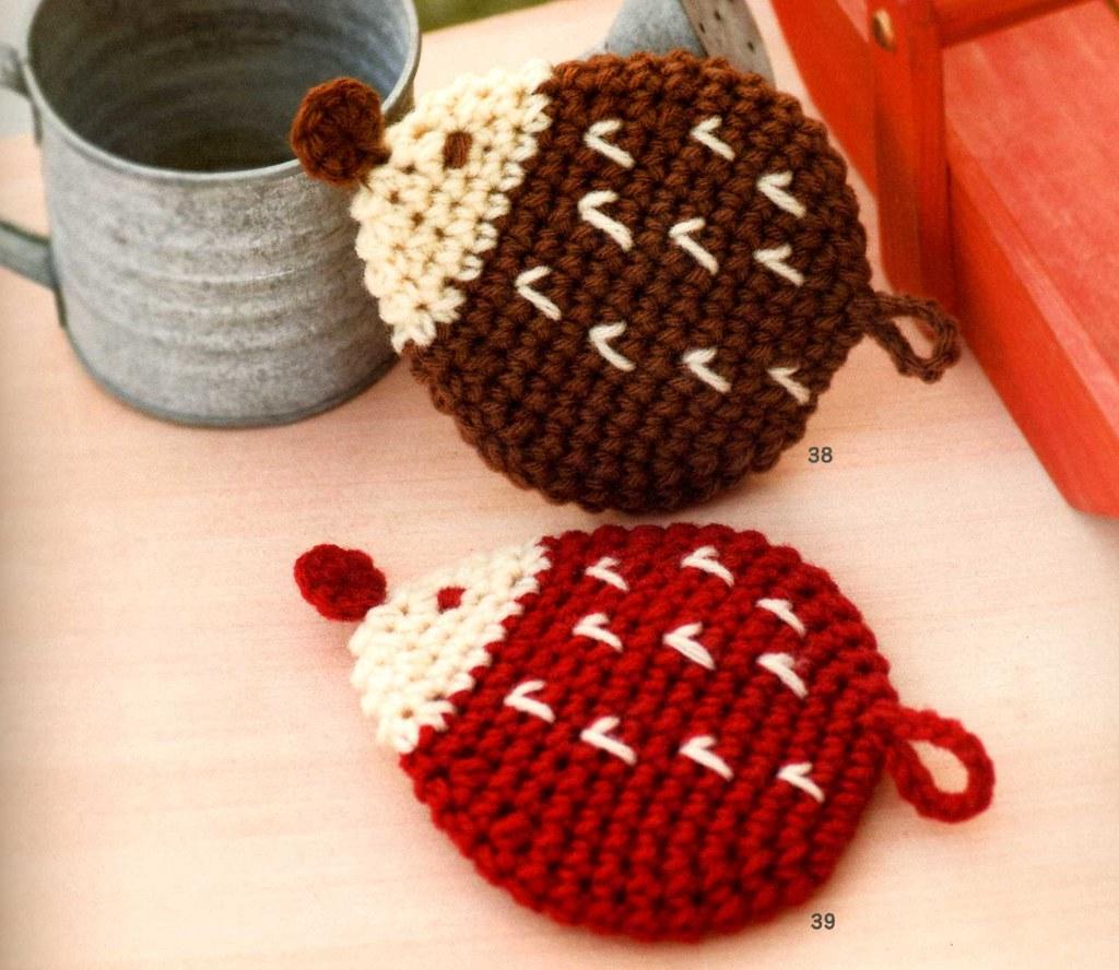 Crochet a Shy Hedgehog Tawashi