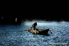 Al chiaro di luna <El resplandor de la Luna> (yokopakumayoko) Tags: sea moon del marina boat fisherman barca mare luna di only mio imagination acqua et colori notte pescatore notturno  stagno orosei nuoro golfodiorosei chiarodiluna nassa i galtell thesuperbmasterpiece academiahispanoparlantedeautodidactas 1p1c phantasmata icoloridelmiomare improvvisaispirazione provdinuoro hallglorymorningwayaug2011 pescaalchiarodiluna pescainbarca controllarelenasse ilmarealchiarodiluna fotodifrancoconcuyokopakumayoko fotografareinsardegna
