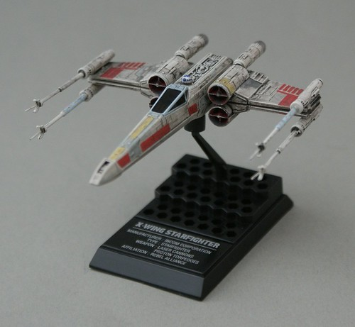 Star Wars 1/144 - X-Wing Red-5 - 1