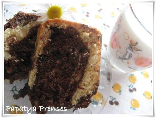 fındıklı üzümlü alacalı kek