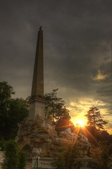 Schönbrunn - Obelisk Fountain