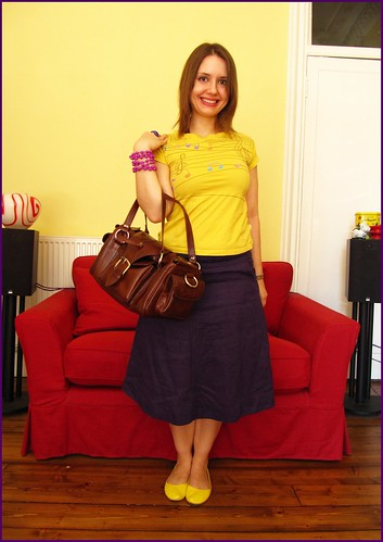 22.5.10: an ancient yellow tshirt. fashion, clothes, style, outfit, thrift, thrifted, blogger, blog, creative, colour, color, charity shop, quirky, individual, yellow, purple, blue, brown, leather bag